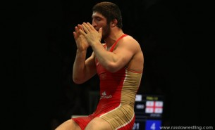Abdulrashid Sadulaev Praying after the win
